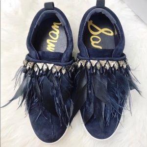 Sam Edelman Lelani Feather Jeweled Sneaker S 7.5